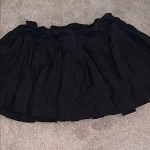 LULULEMON skirt w built in spandex